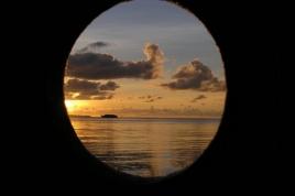 p 6140083.jpg Coucher de soleil sur l'île de Ruang