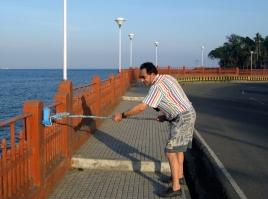 img 2743.jpg Touriste  peintre bénévole sur le front de mer à Port Blair