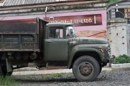dsc 0405.jpg Camion russe d'époque à Kapan